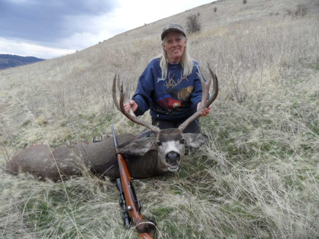 Vicky and her 2017 non-typical mule deer