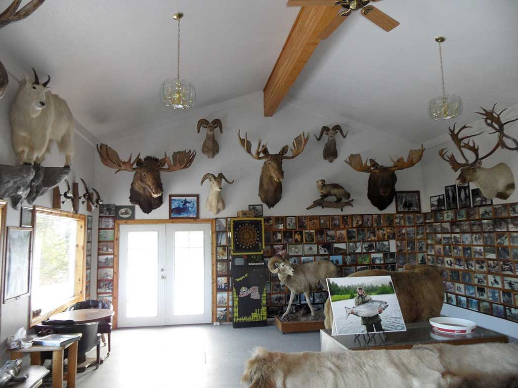 Larry Jarrett's Whitetail Lodge