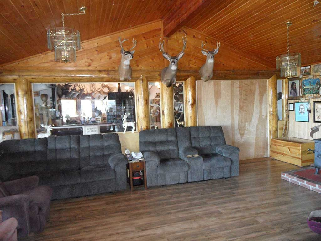 Larry Jarrett's Idaho Whitetail Hunting Lodge